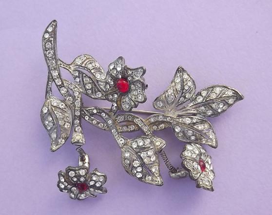 Vintage CORO Trembler FLOWER POT Metal Pin PAVE Rhinestones Unsigned