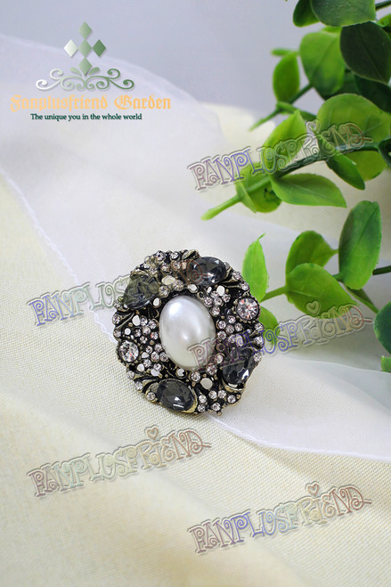 Gothic Oval Jewel Decoration Ring