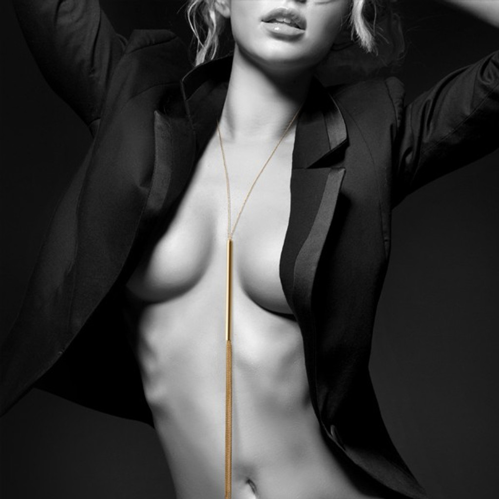 Magnifique Collection Gold Chain Necklace Whip