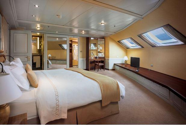royal-suite.jpg