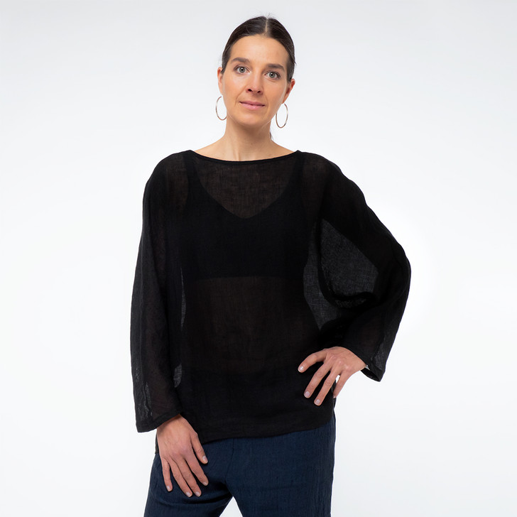 • Oeko-Tex® certified, premium lightweight Japanese gauze linen  • Kimono style sleeve, long sleeve—wear rolled up or down  • Asymmetrical hem, with additional length at back  • Generous, relaxed fit for comfort and coverage  • Relaxed and comfortable oversized top