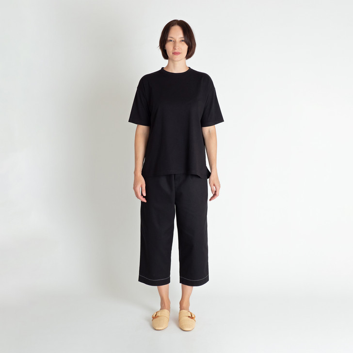 • Premium Australian-woven organic cotton—lightweight and soft-to-touch • Crew neck • Wide, loose fit with generous hemline • Drop shoulders with half-length sleeves • Contrast white binding inside collar • Contrast white top stitching • Designed and made ethically in Melbourne, Australia