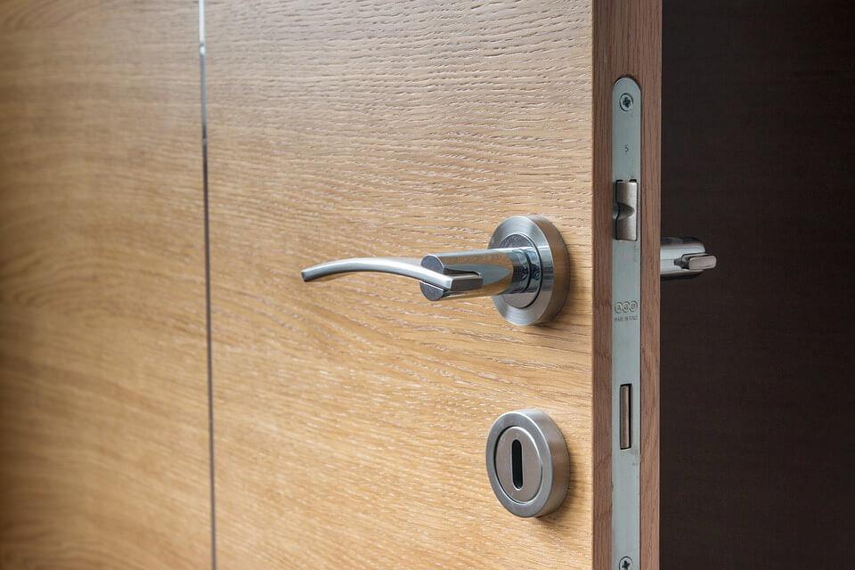 chrome door lock lever