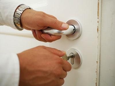 unlocking-keyed-door