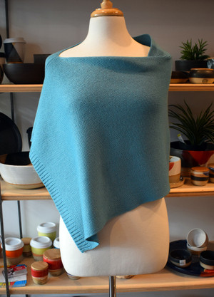 seam at shoulder, aqua