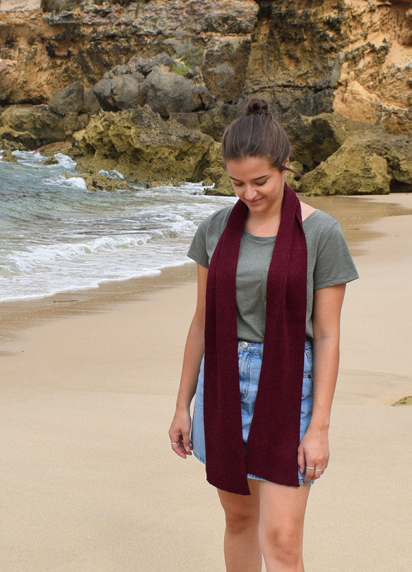 Ribbed Merino Wool Knitted Scarf in Wine