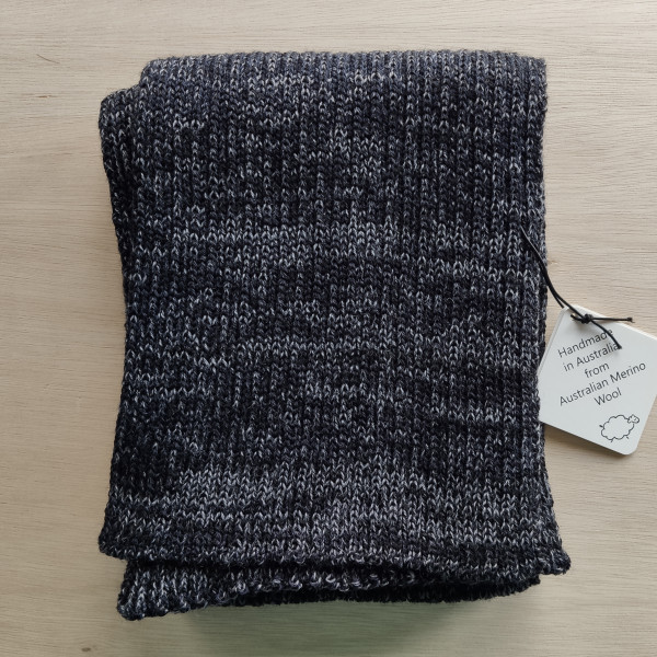 Navy Ribbed Merino Scarf