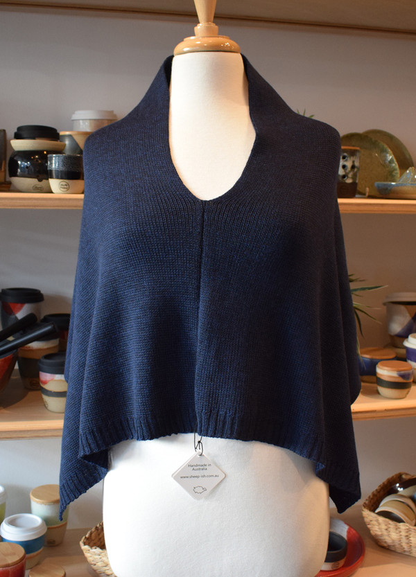 seam at front, navy