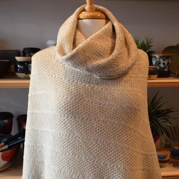 Poncho with matching cowl - linen