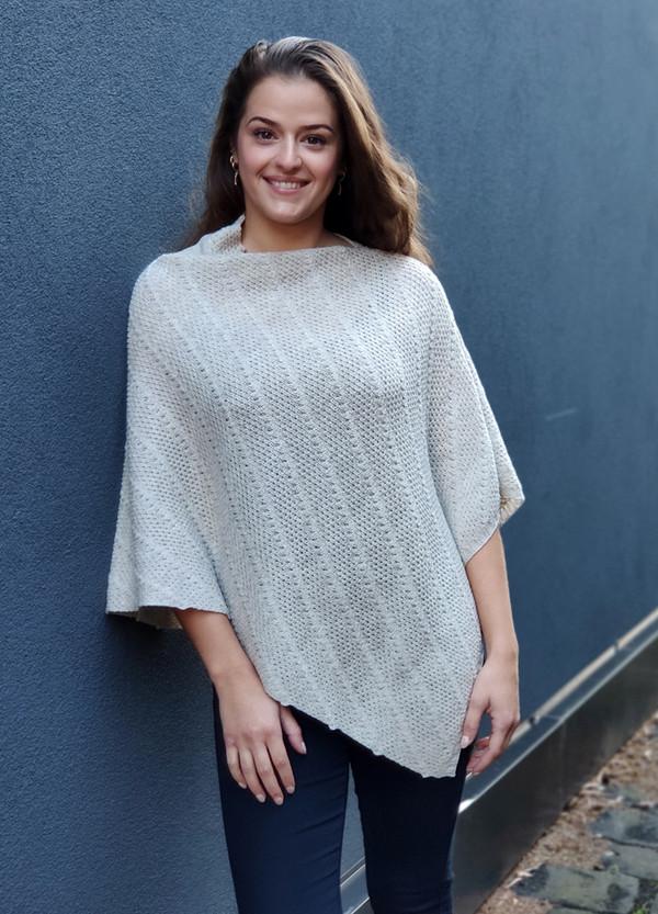 Merino wool poncho - linen