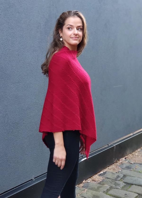 Poncho - Merino Wool - Diagonal Detail