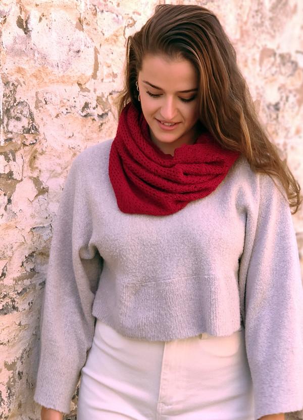 merino wool cowl - red