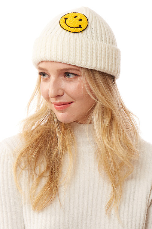 SMILE PATCH SOLID KNITTED BEANIE-LOH169-IVORY