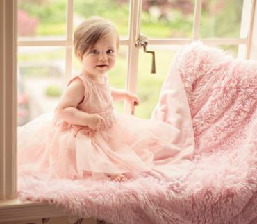 Baby Pom Pom blanket in Pink
