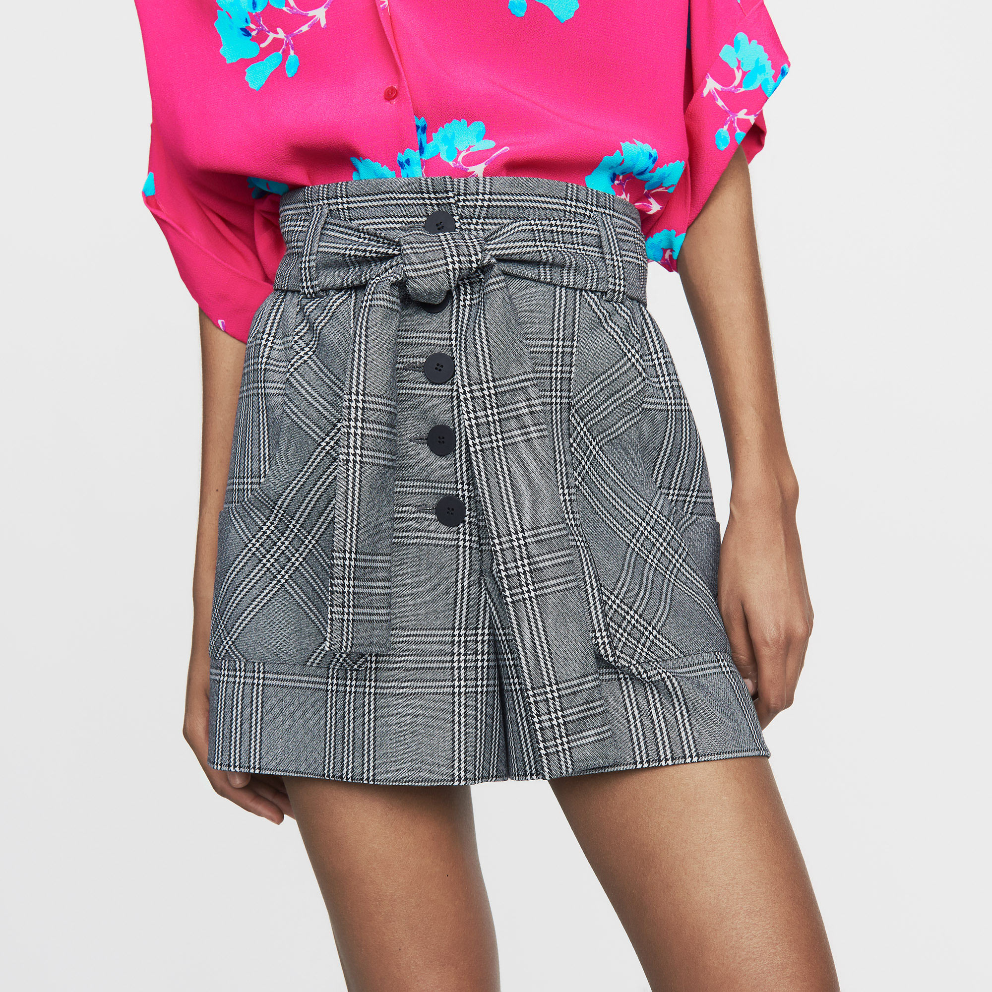 Shorts with Prince of Wales print - Check