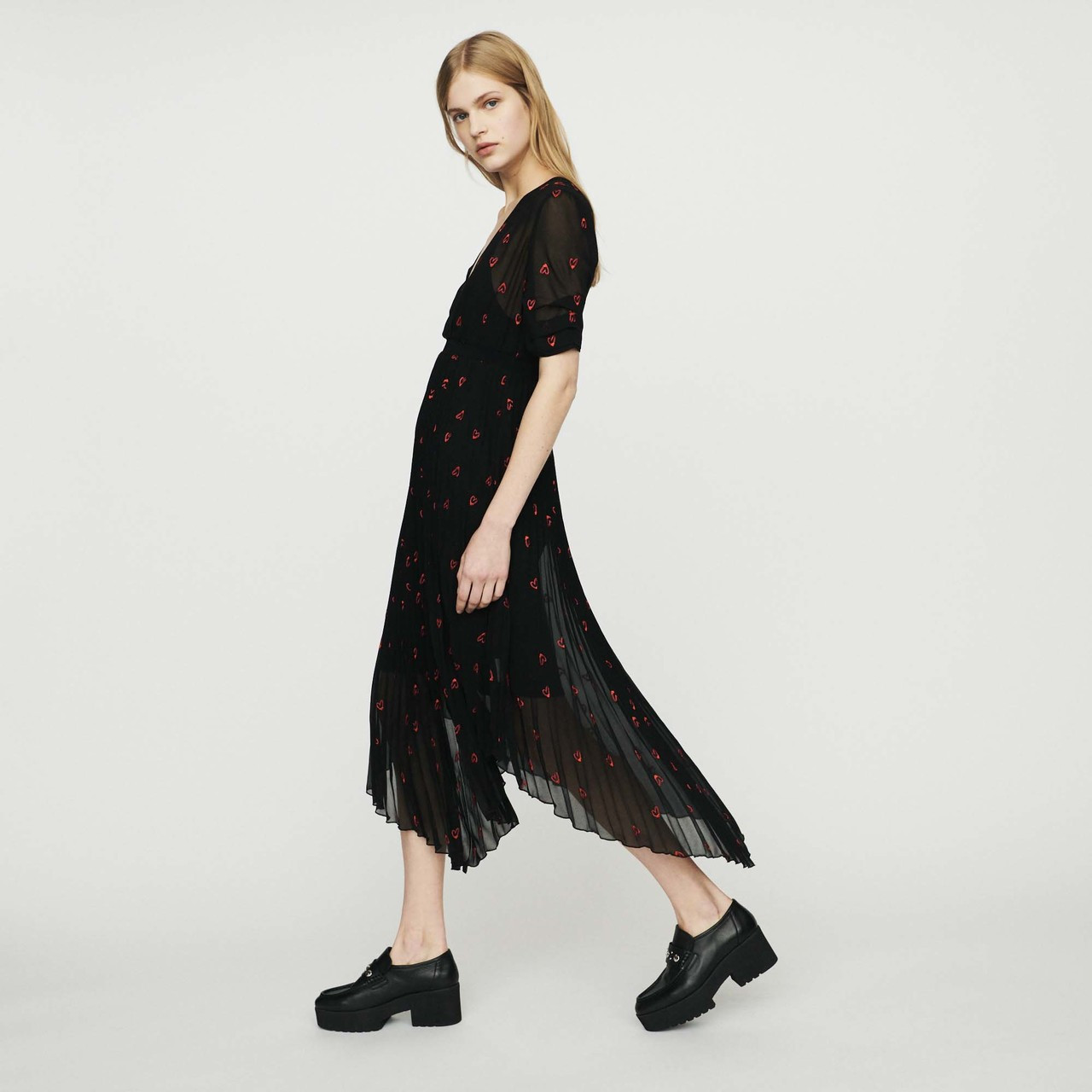 Pleated Dress With Heart Embroidery - Black