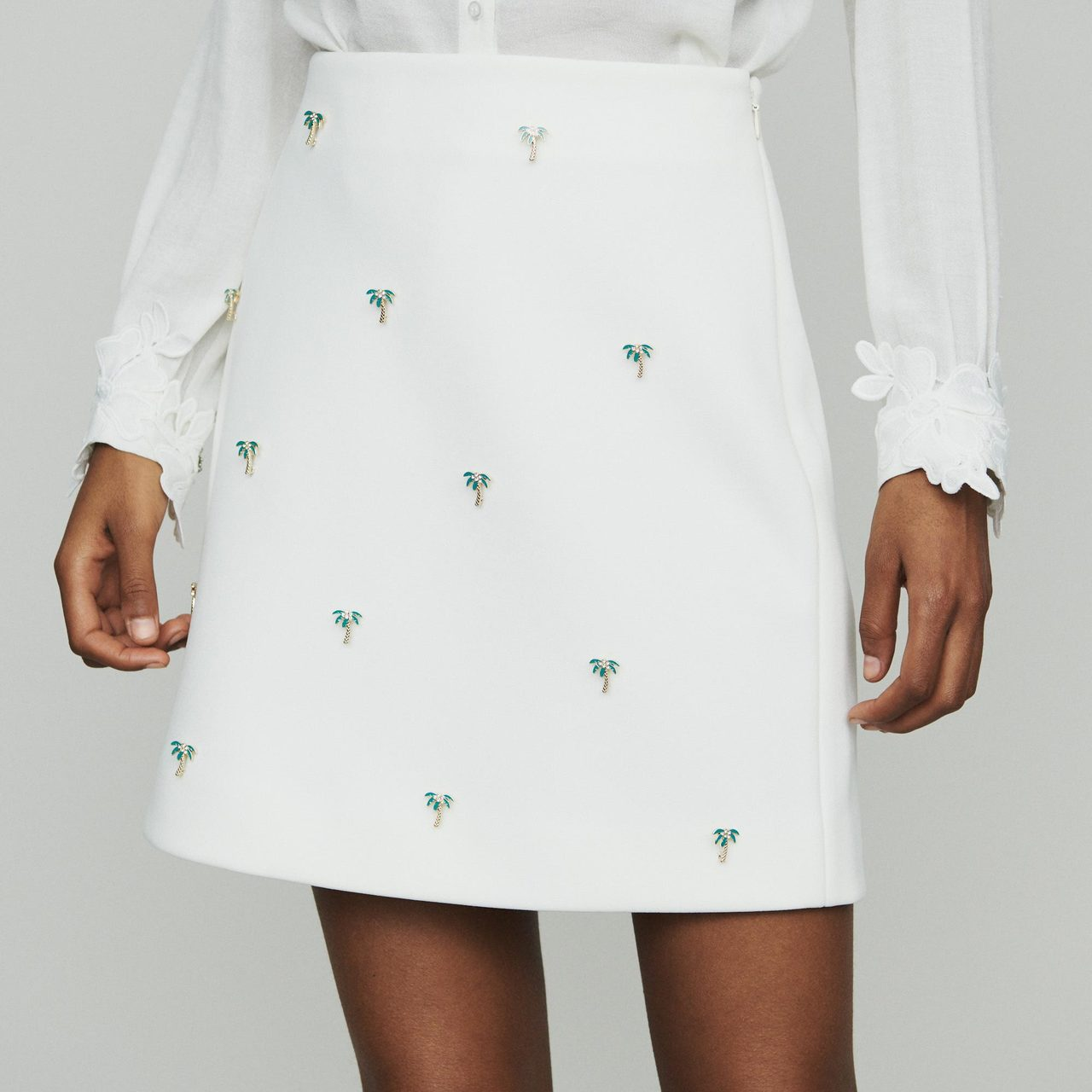 Short Skirt With Palm Jewels - Ecru