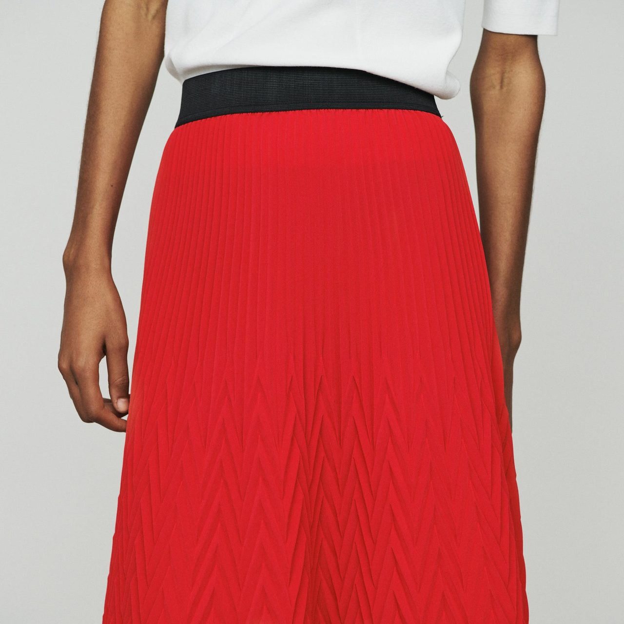 Long Skirt With Chevron Pleat - Red