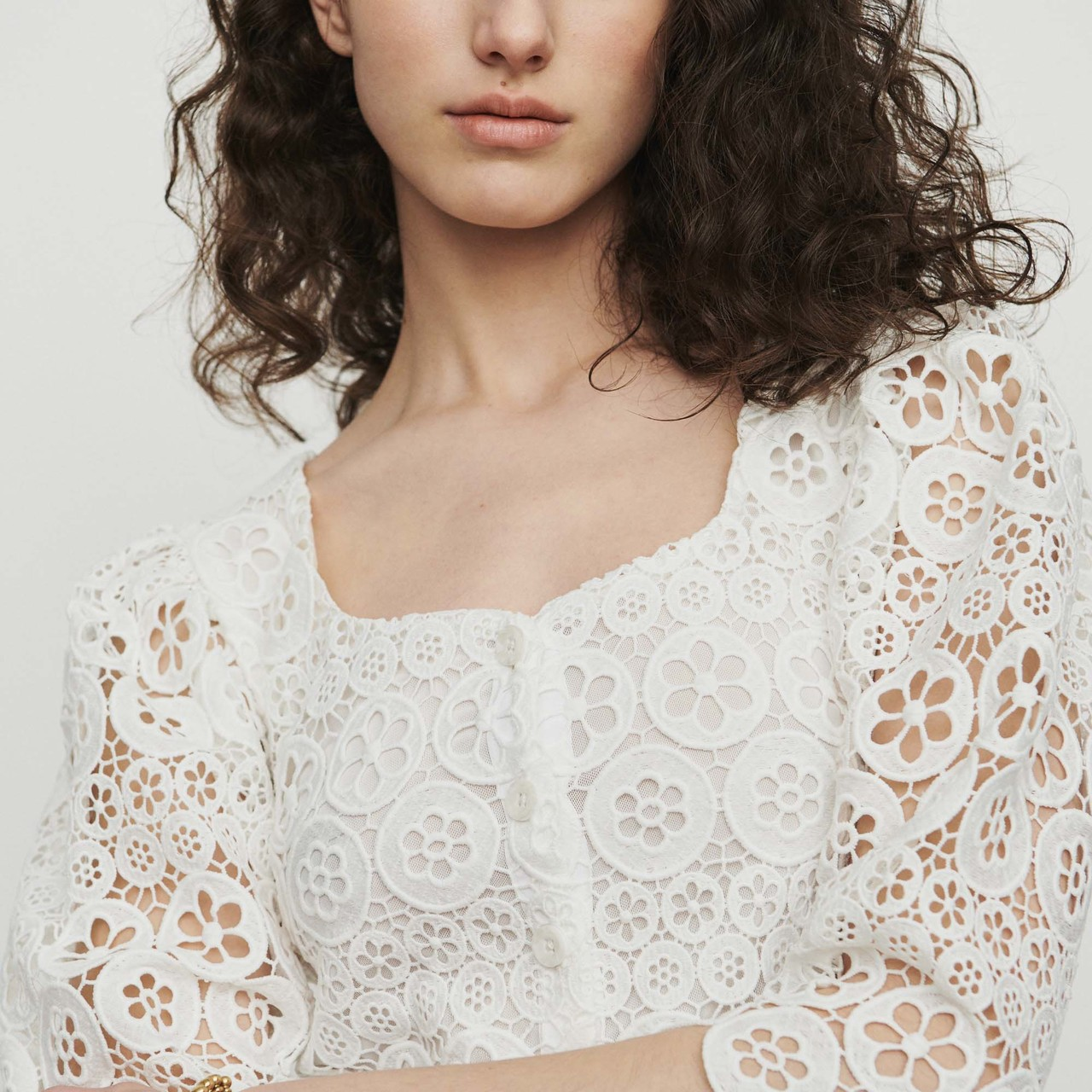 Cropped Top In Daisy Guipure - White