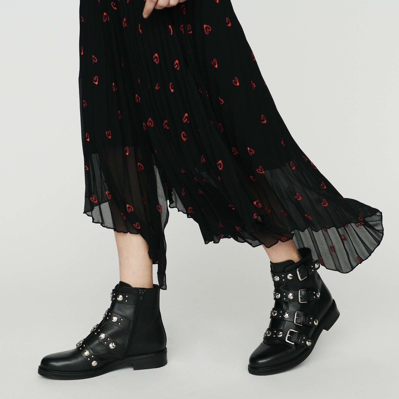 Long Pleated Embroidered Skirt - Black