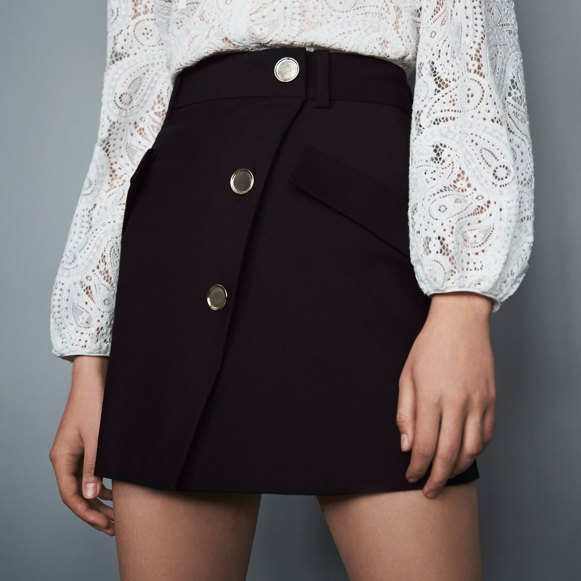 Crepe skirt with contrasting buttons - Black