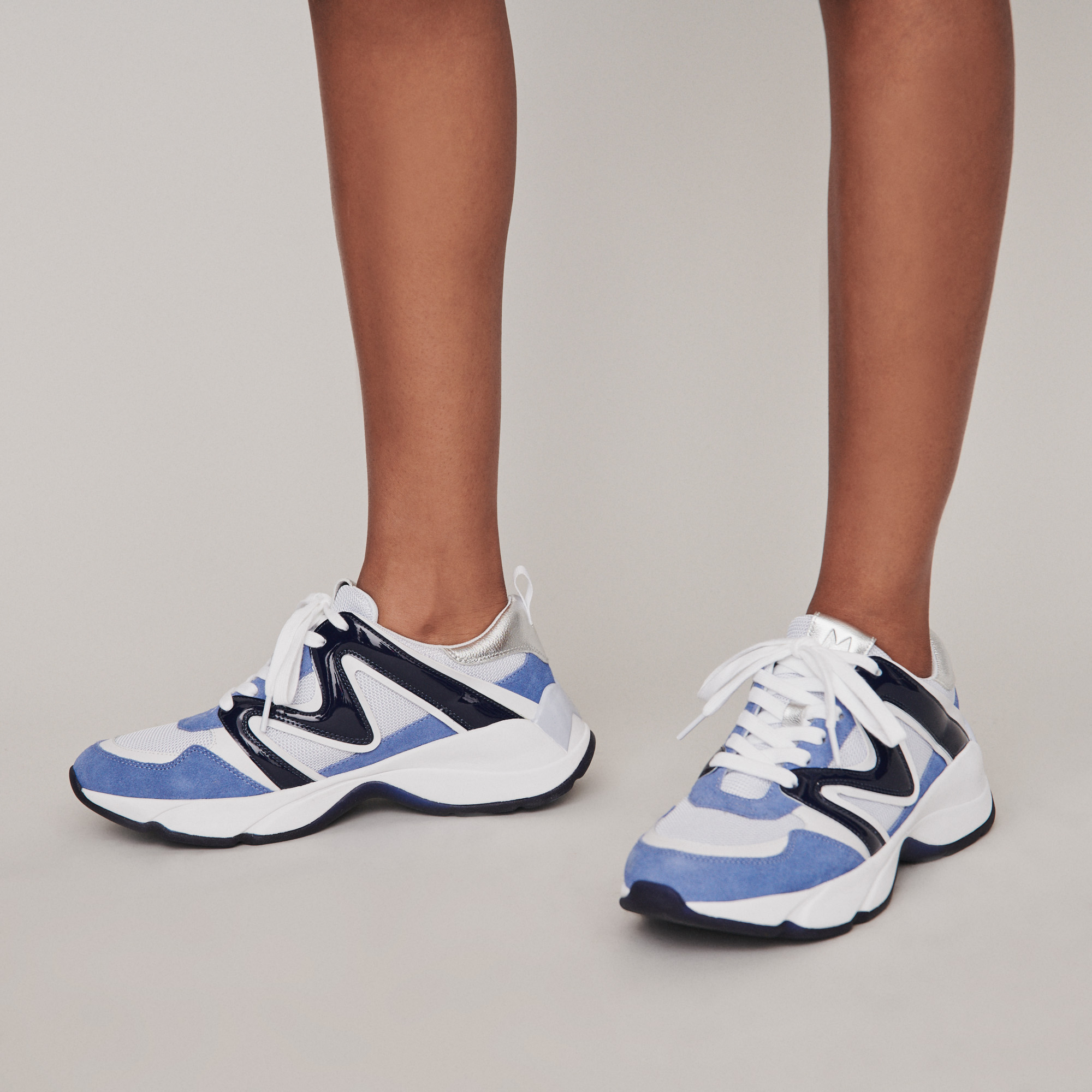 W22 mixed material sneakers in blue - Blue