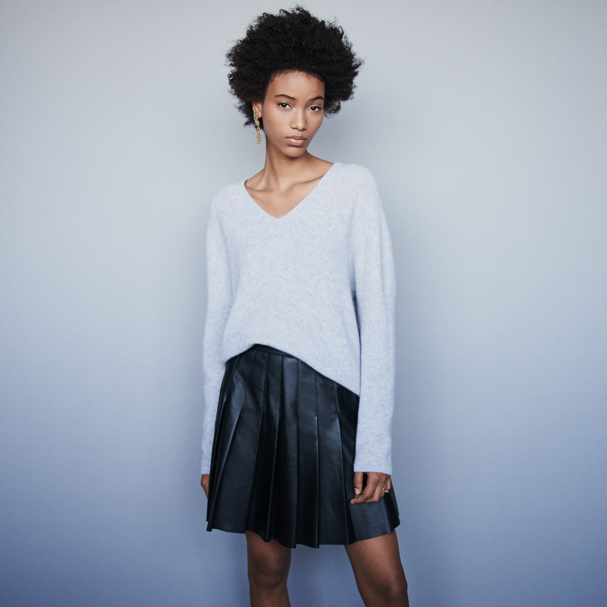 V Neck Sweater In Cashmere - Grey
