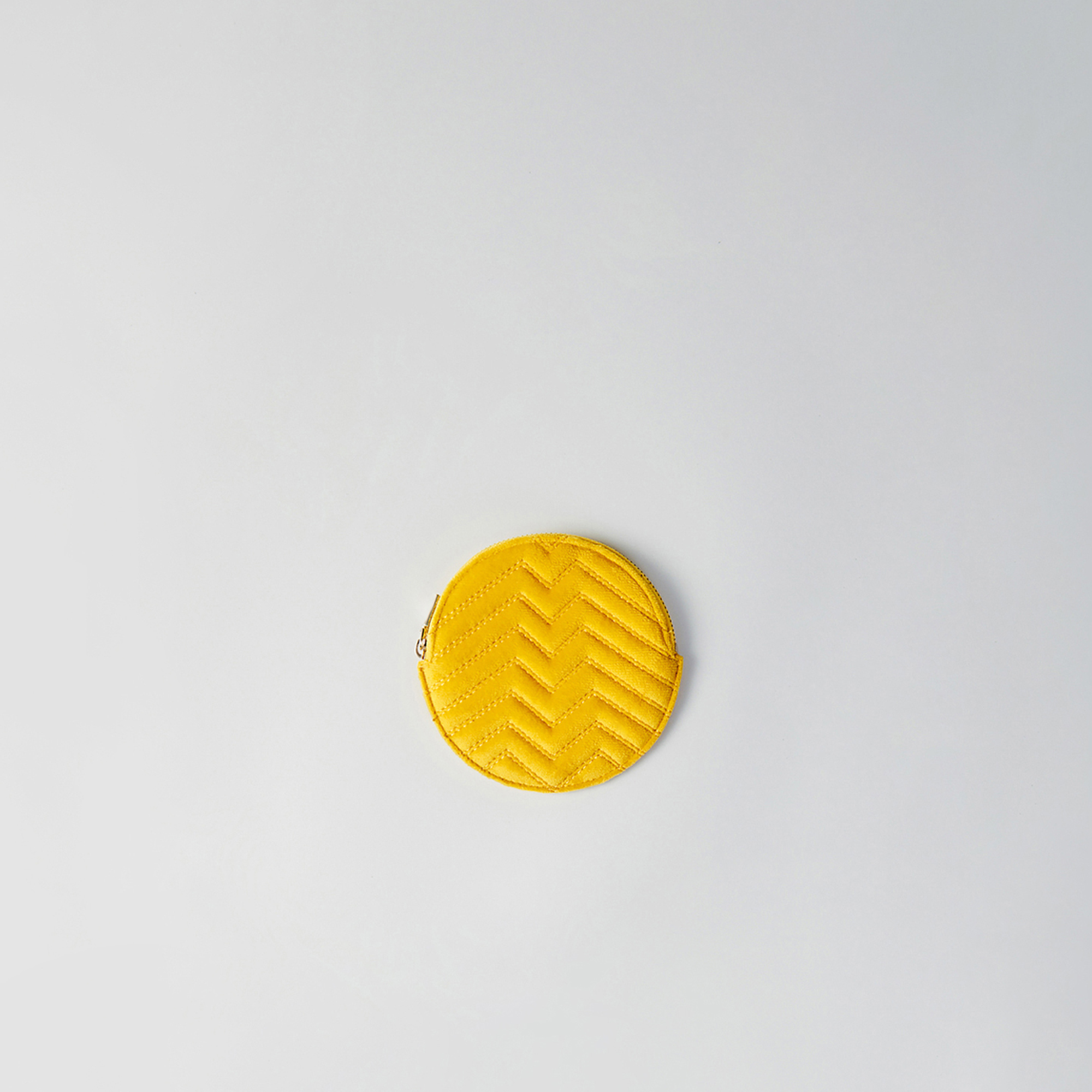 Round quilted velvet coin purse - Yellow