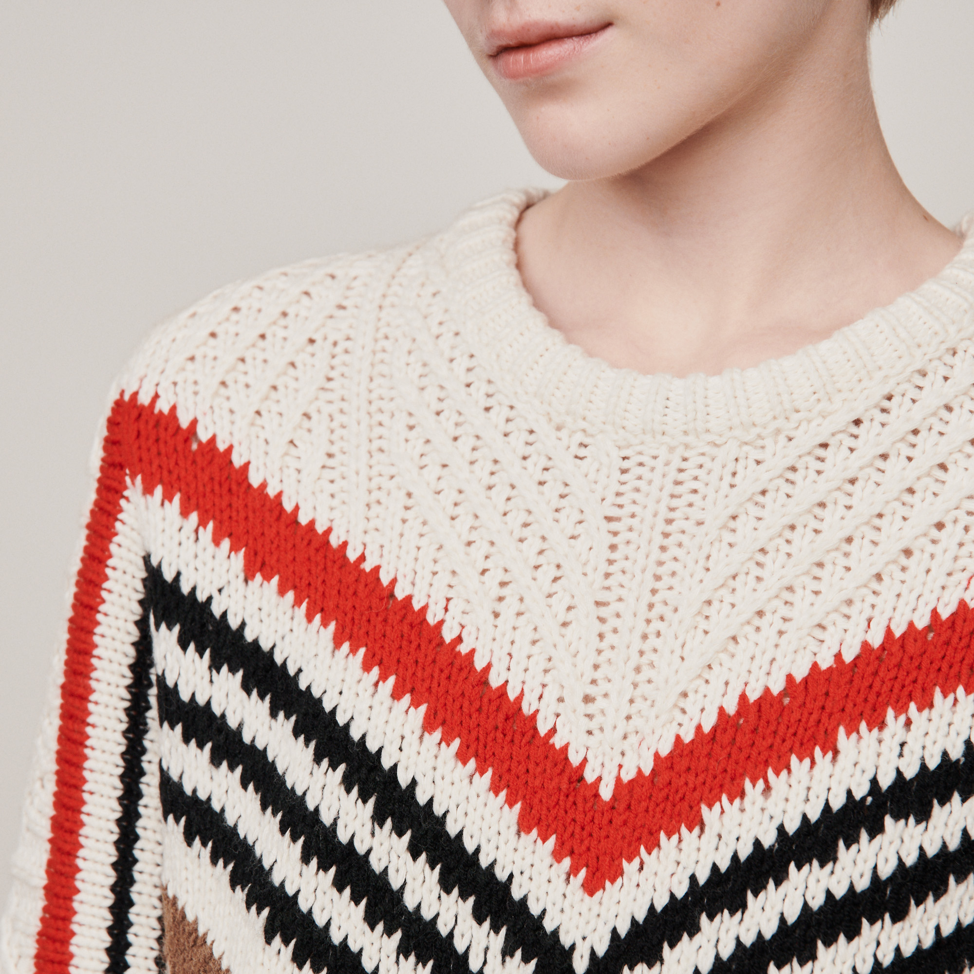 Twisted sweater with graphic motifs - Ecru