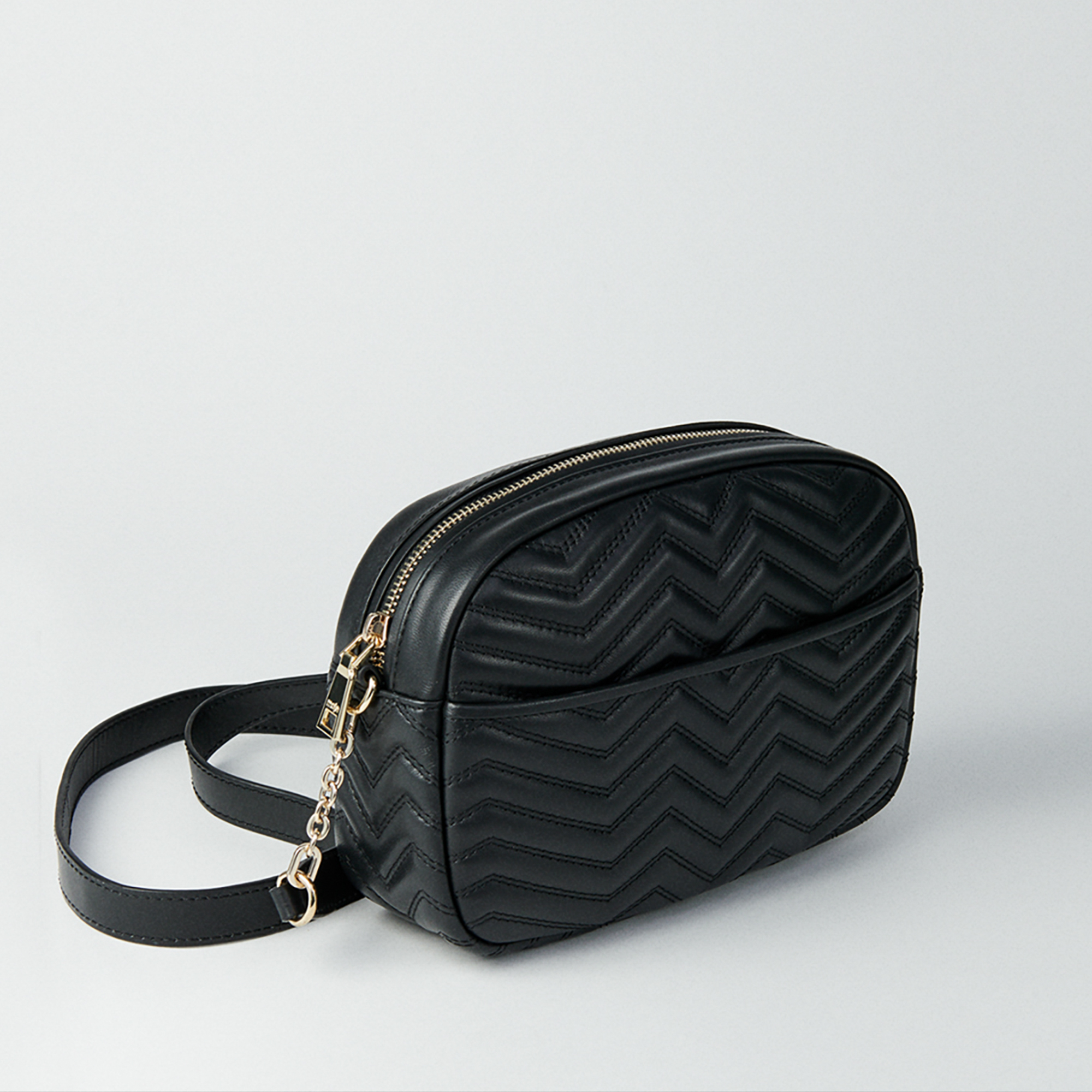 Quilted leather GM shoulder bag - Black