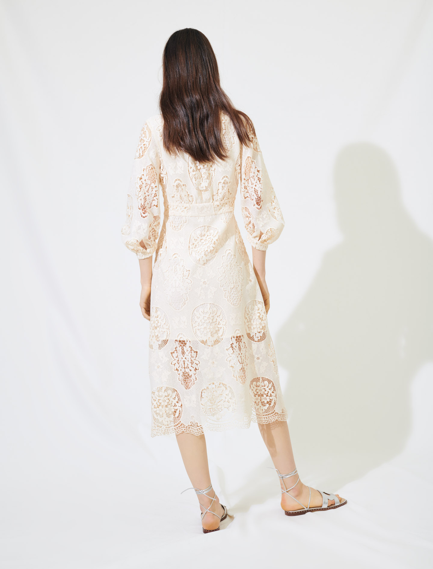 Low-cut guipure dress - Nude