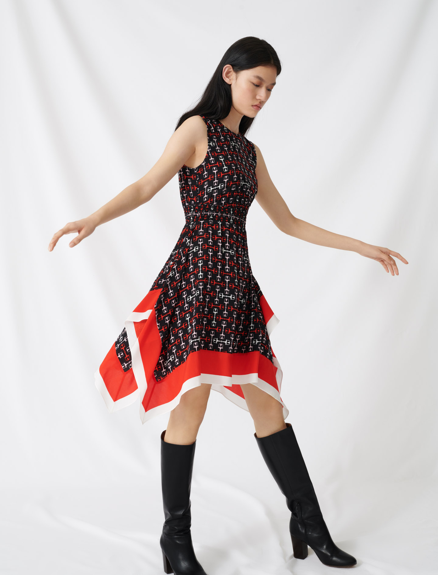Smocked satin dress with scarf print - Multi-colour