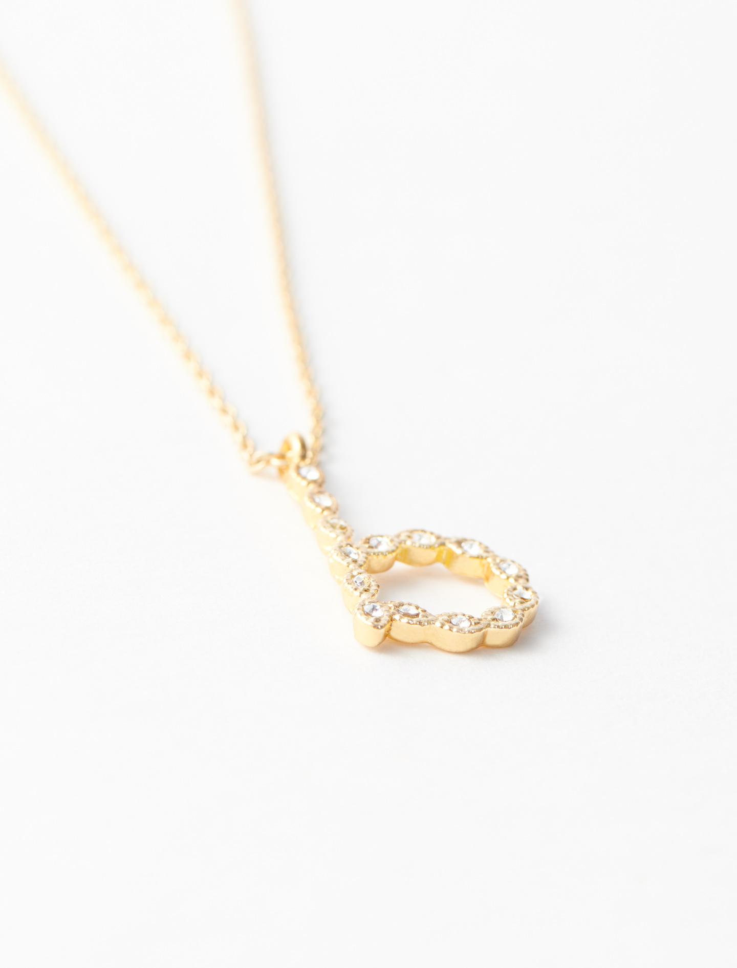 Rhinestone B necklace - Gold