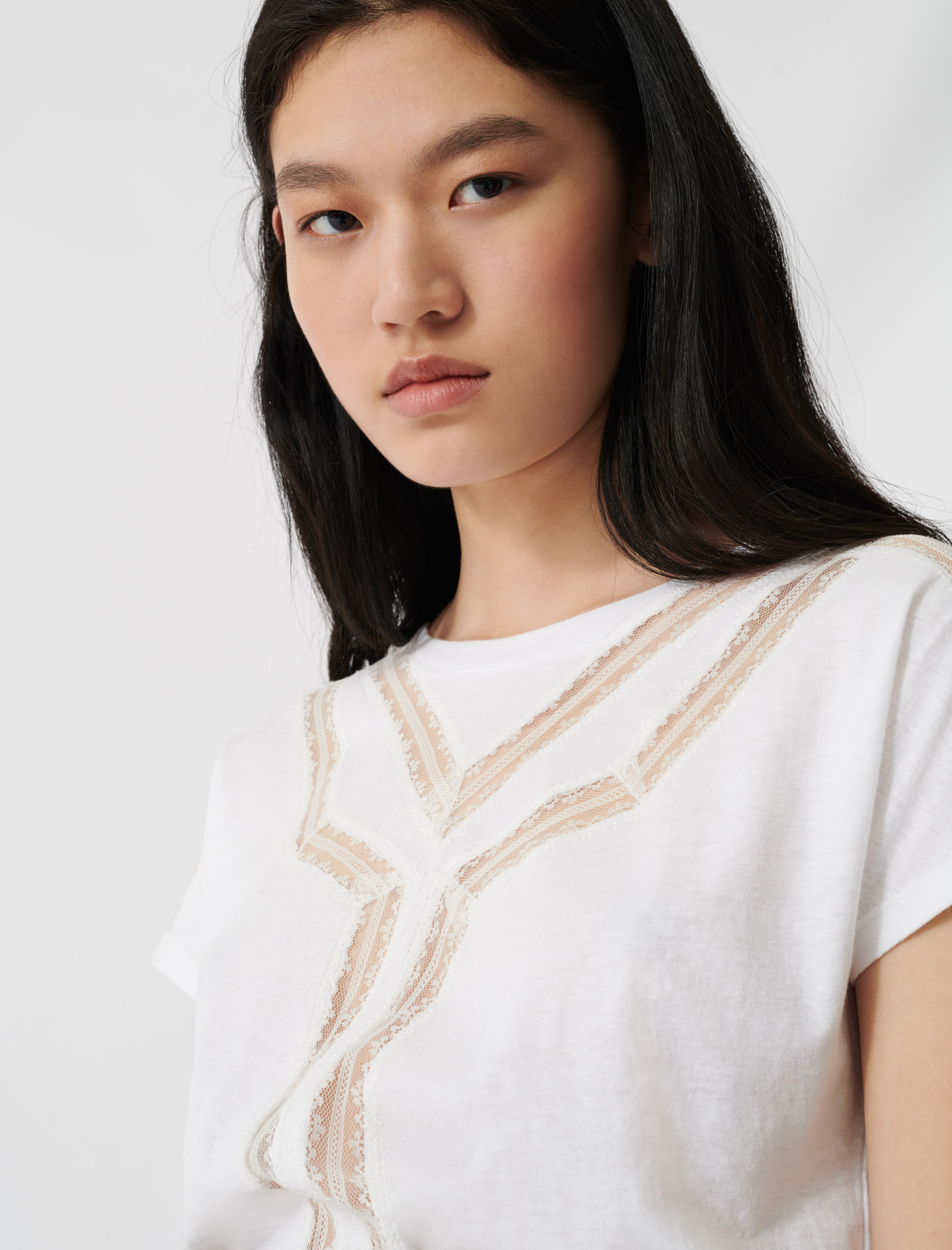 T-shirt with inlaid lace details - Ecru