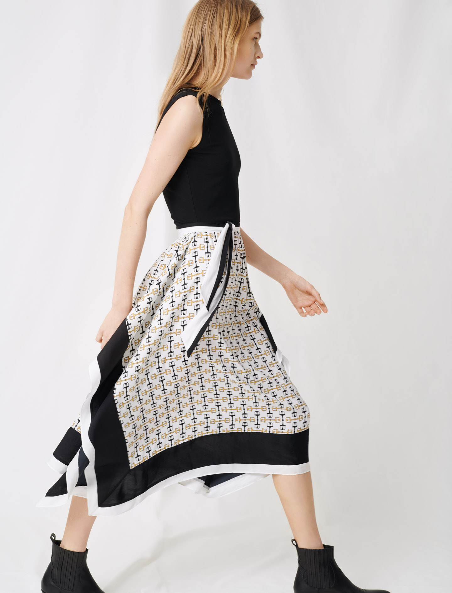 Black dress with scarf style motifs - Multi-colour