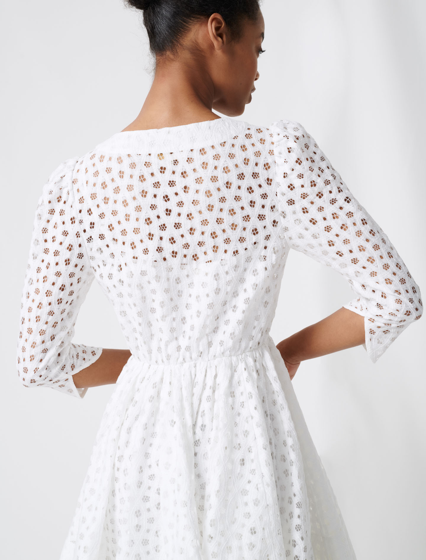 White lace dress - White