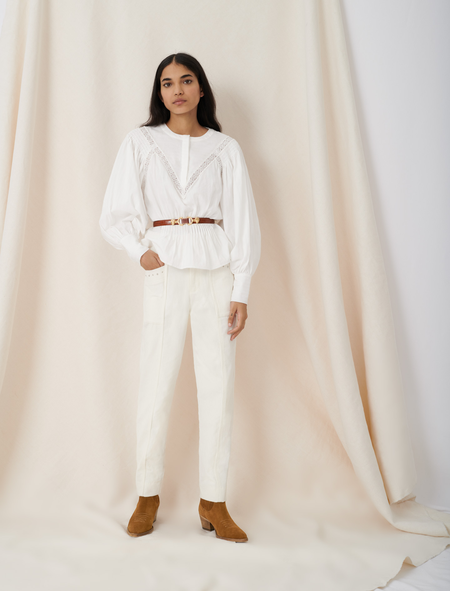 Blouse-style top with guipure braiding - White