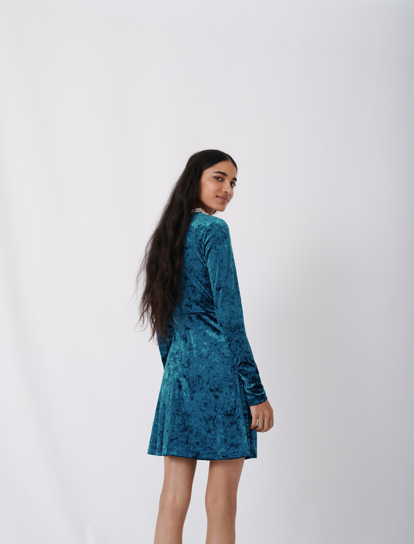 Crushed velvet dress with fancy collar  - Blue