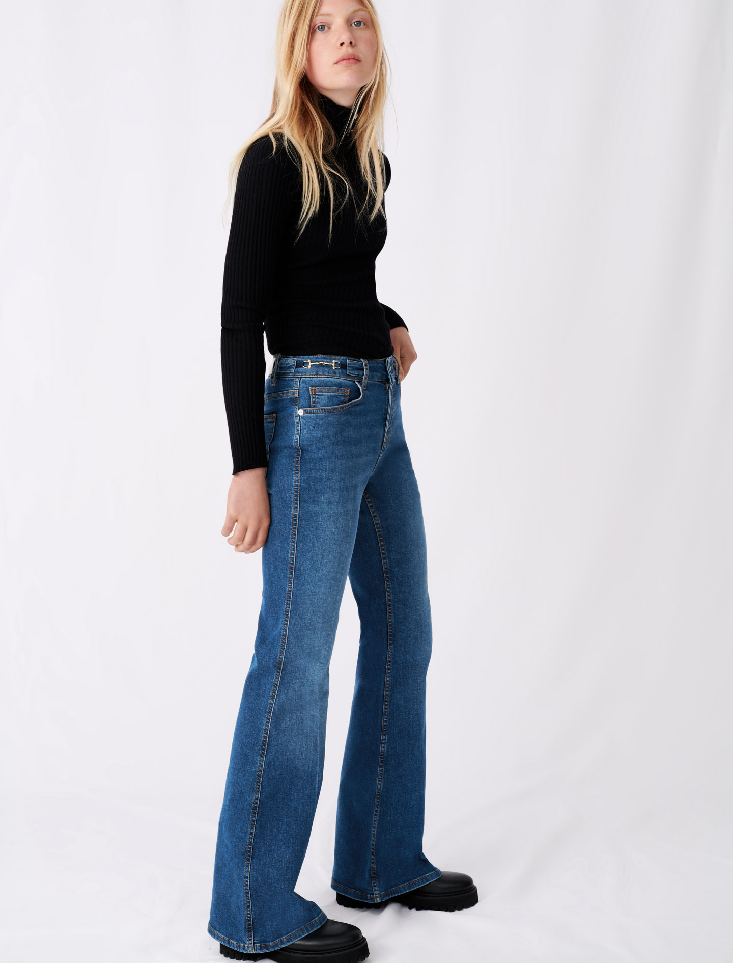 Flared jeans with horsebit detail - Blue