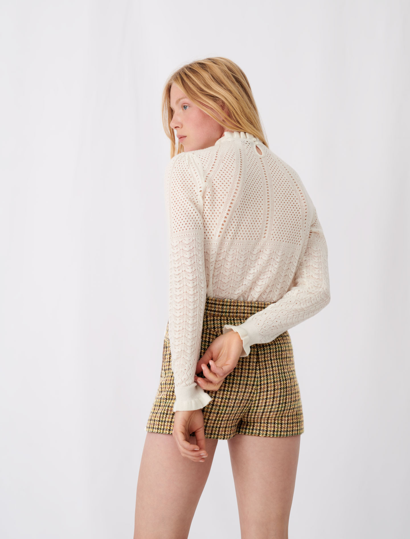 Knitted sweater with ruffles - Ecru