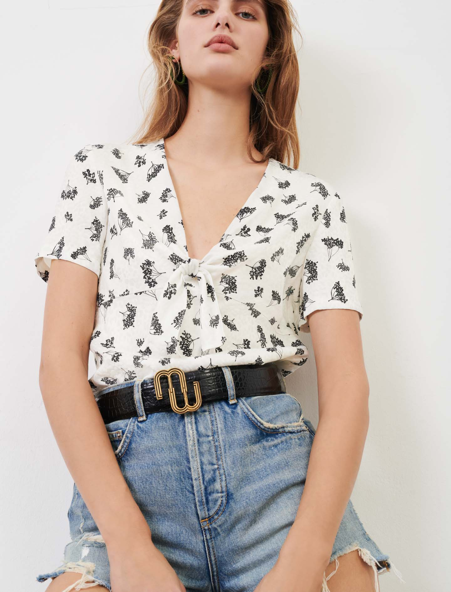 Printed top with bow tie collar - White