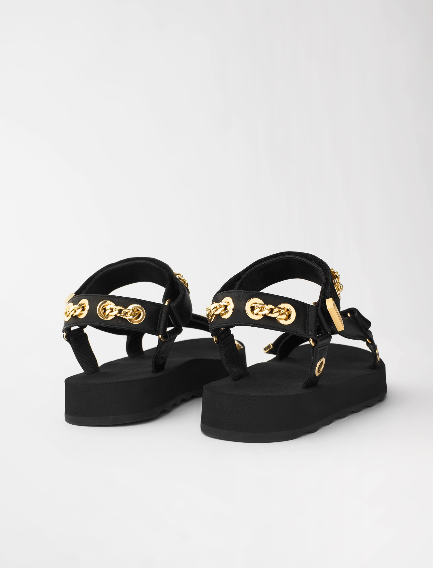 Leather sandals with eyelets and chain - Black