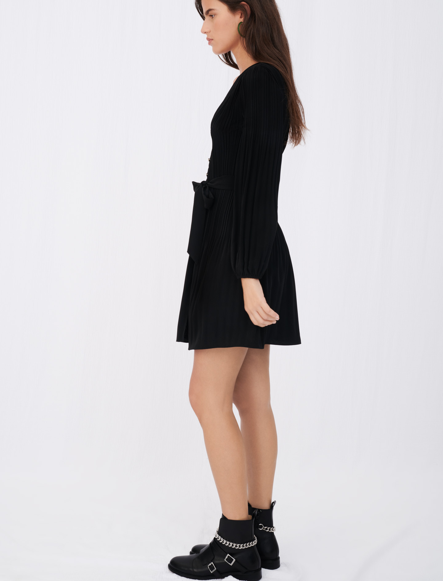 All-over pleat dress with buttons - Black