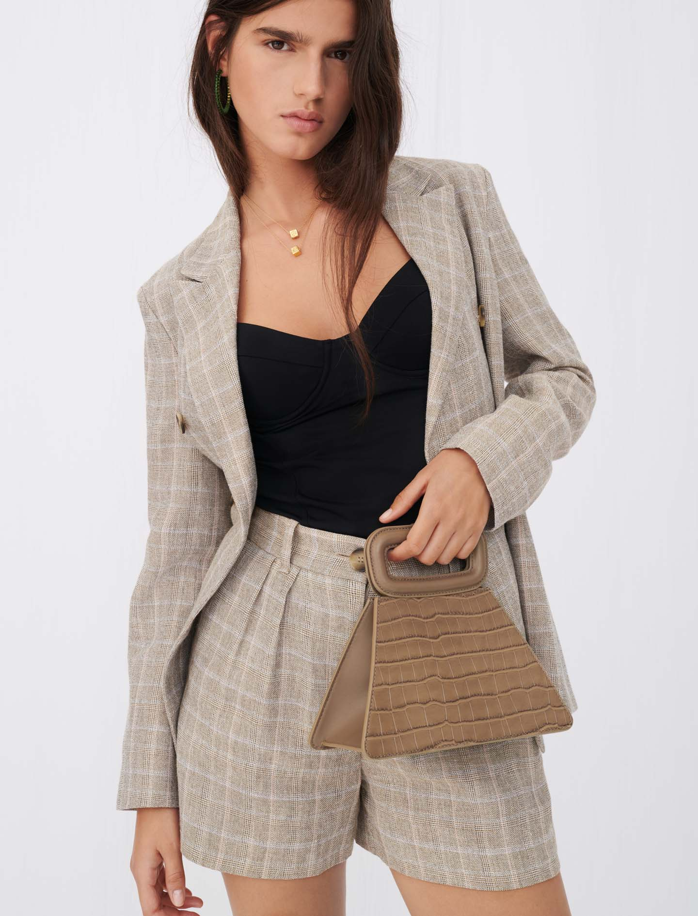 Pyramid bag with embossed leather handle - Grey