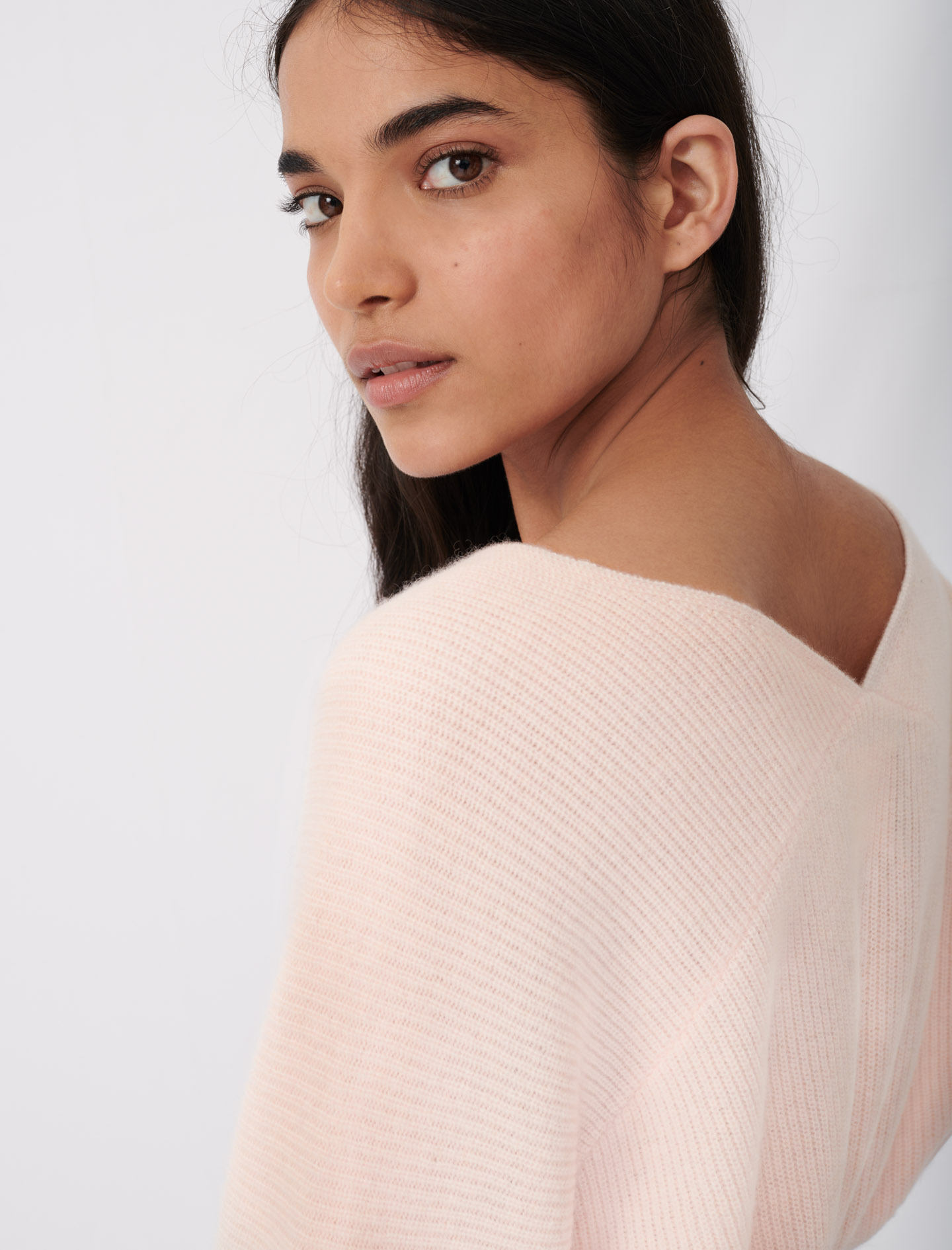 Soft v-neck cashmere sweater - Pale Rose