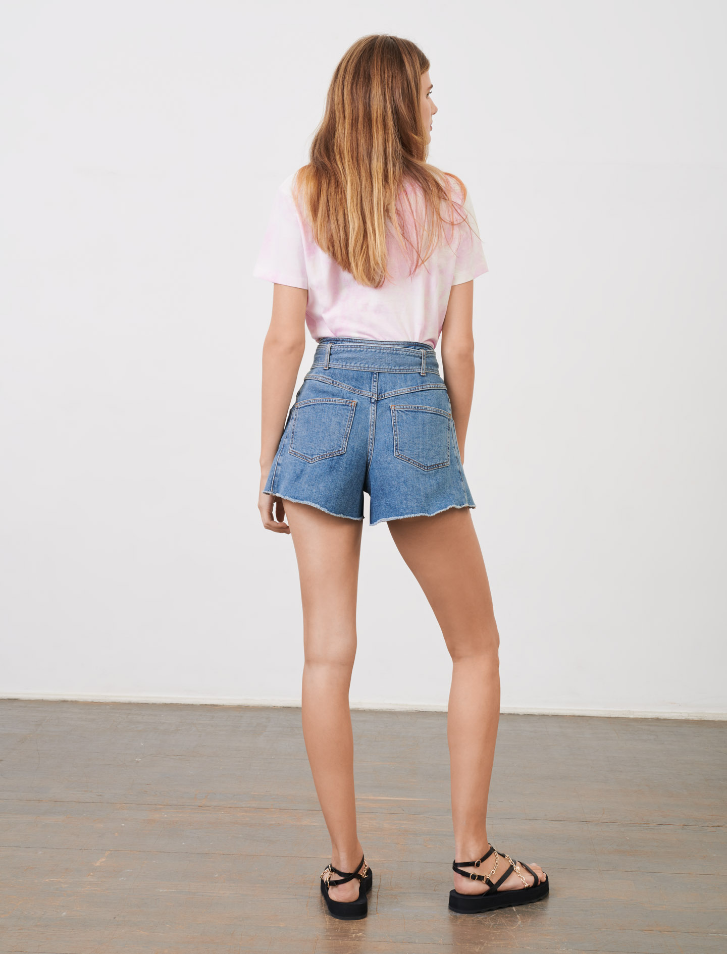 Belted skirt-style shorts