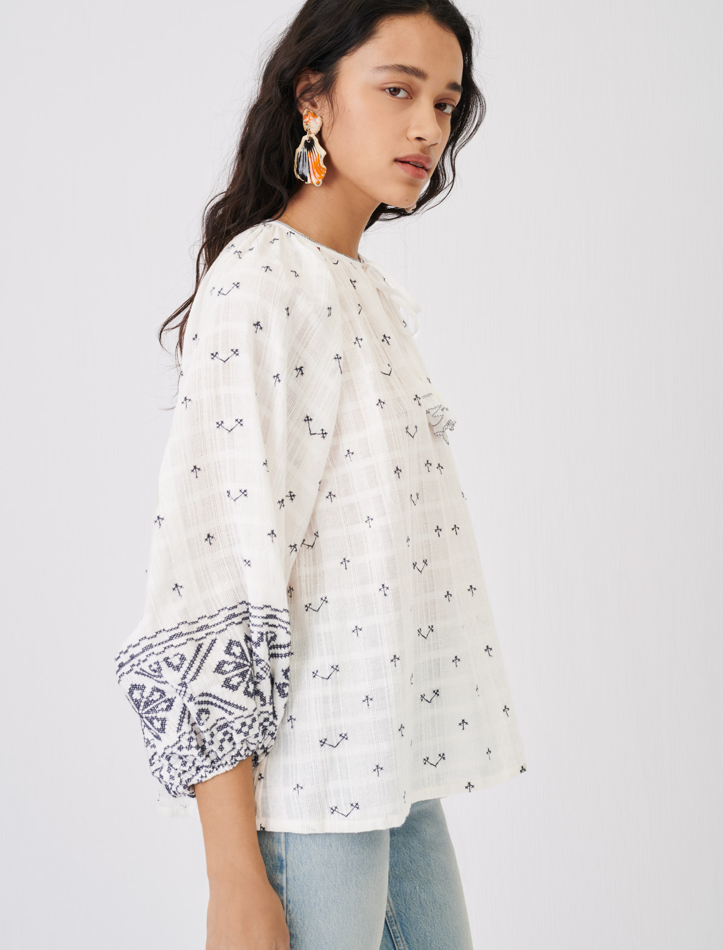 Fully embroidery blouse with low neck
