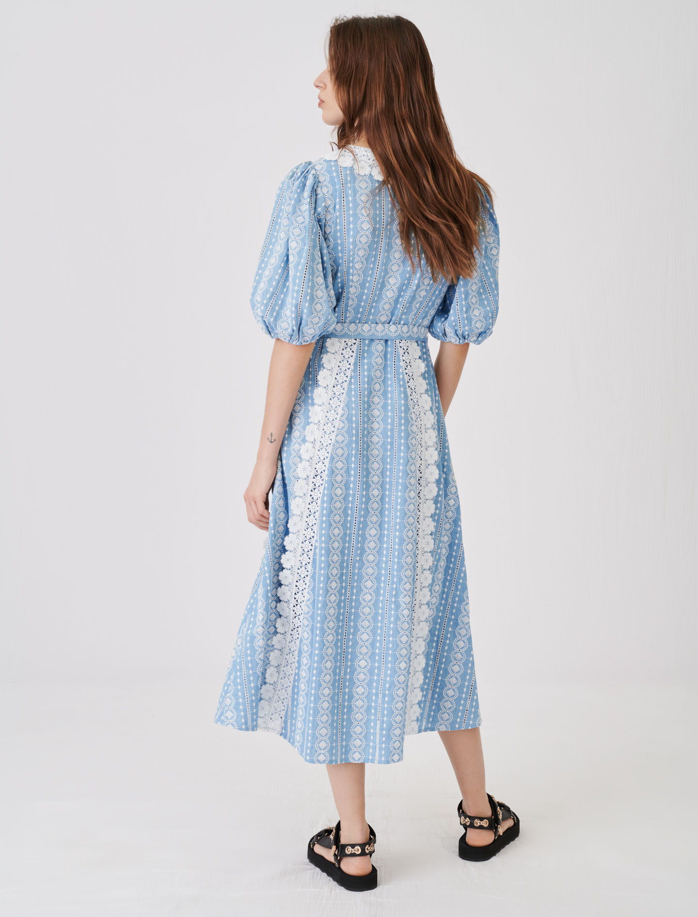 Dress with contrasting trims