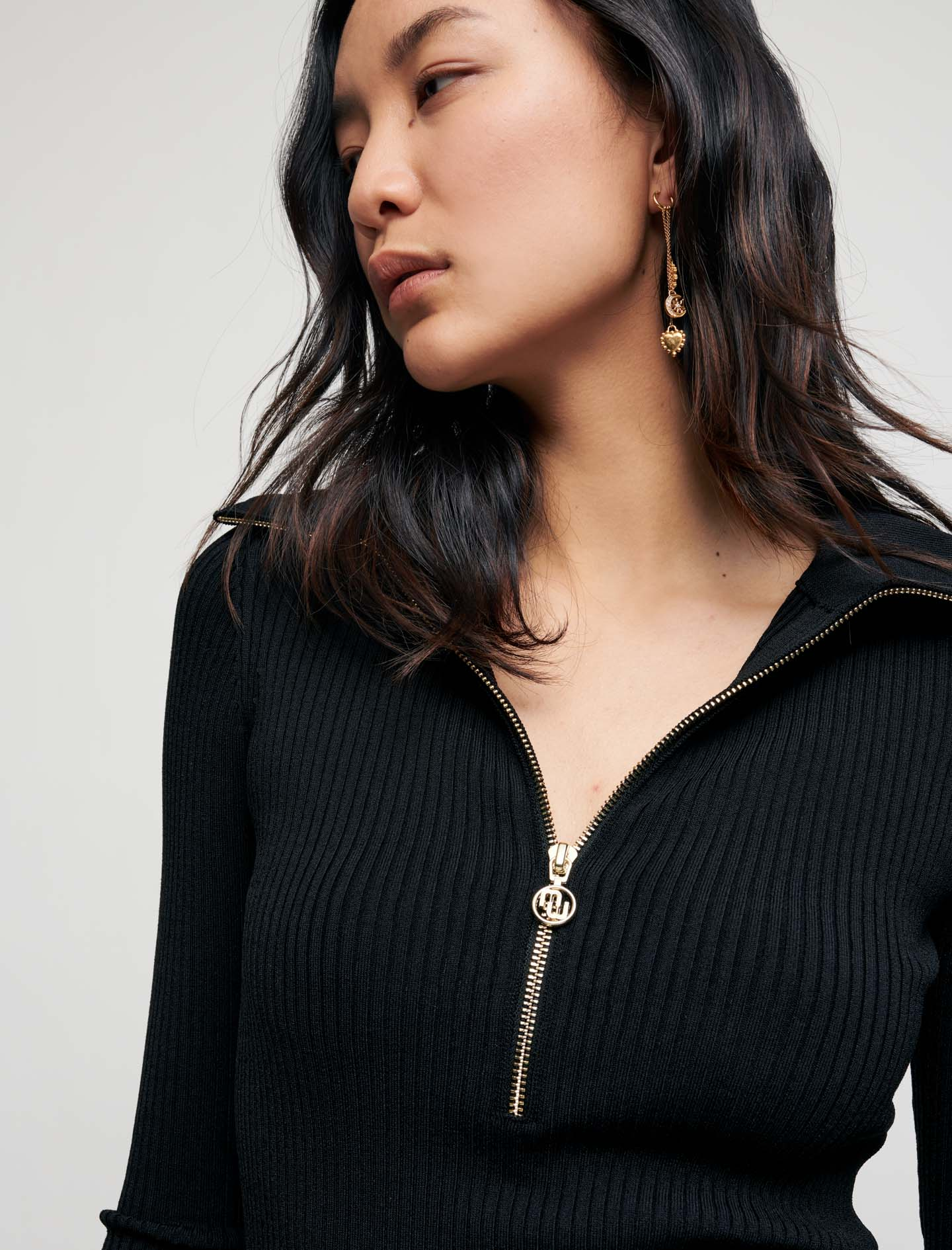 Ribbed knit top with zip collar - Black