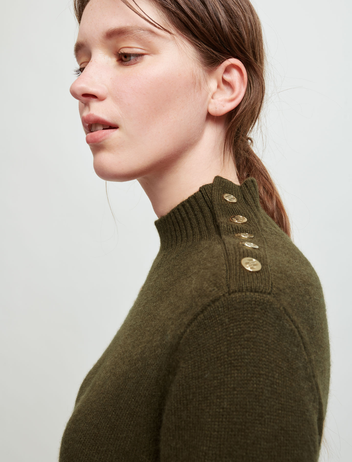 Long knitted dress with buttons - Khaki